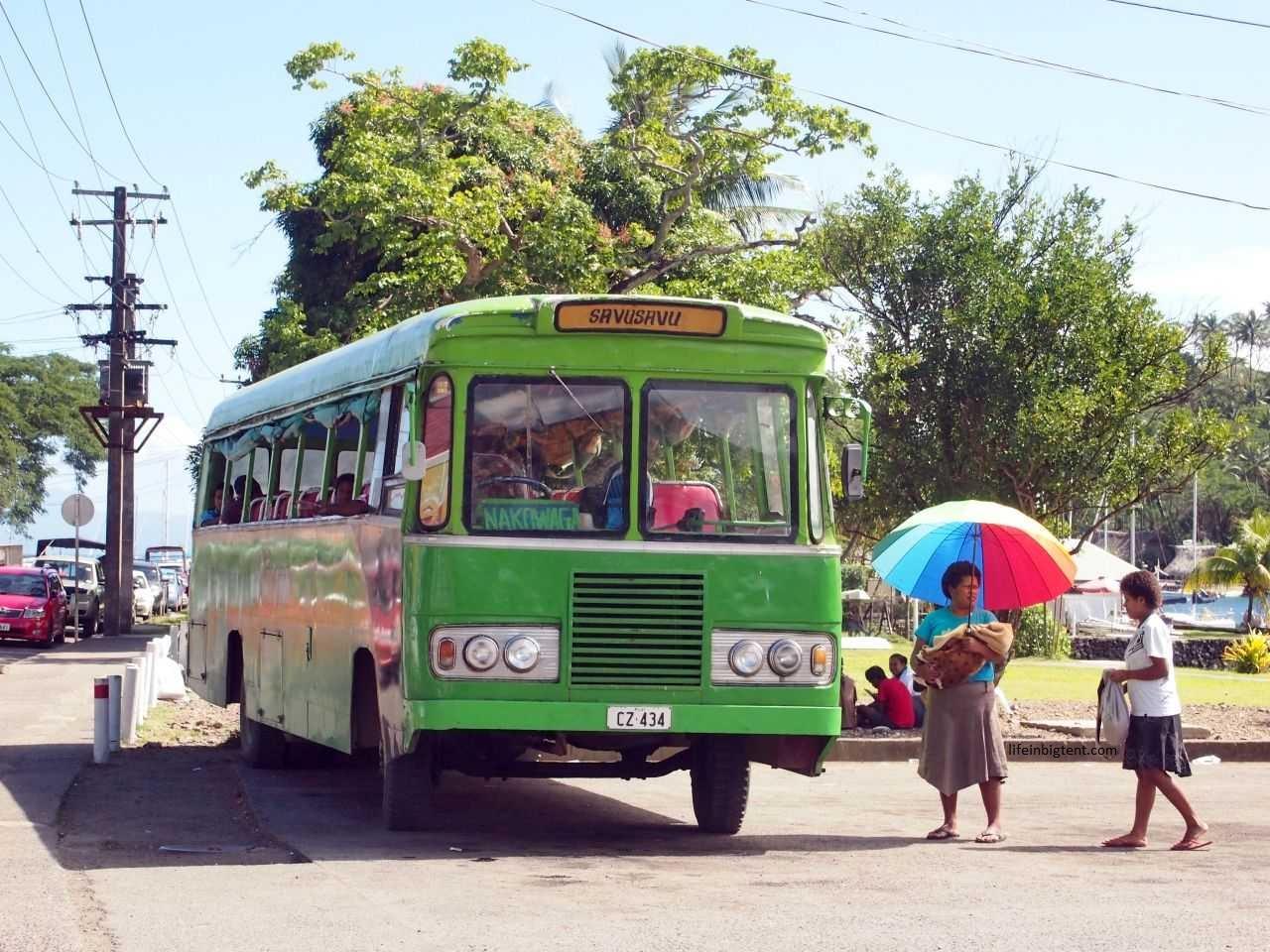 Kelionė į Fidžį - keliavimas saloje
