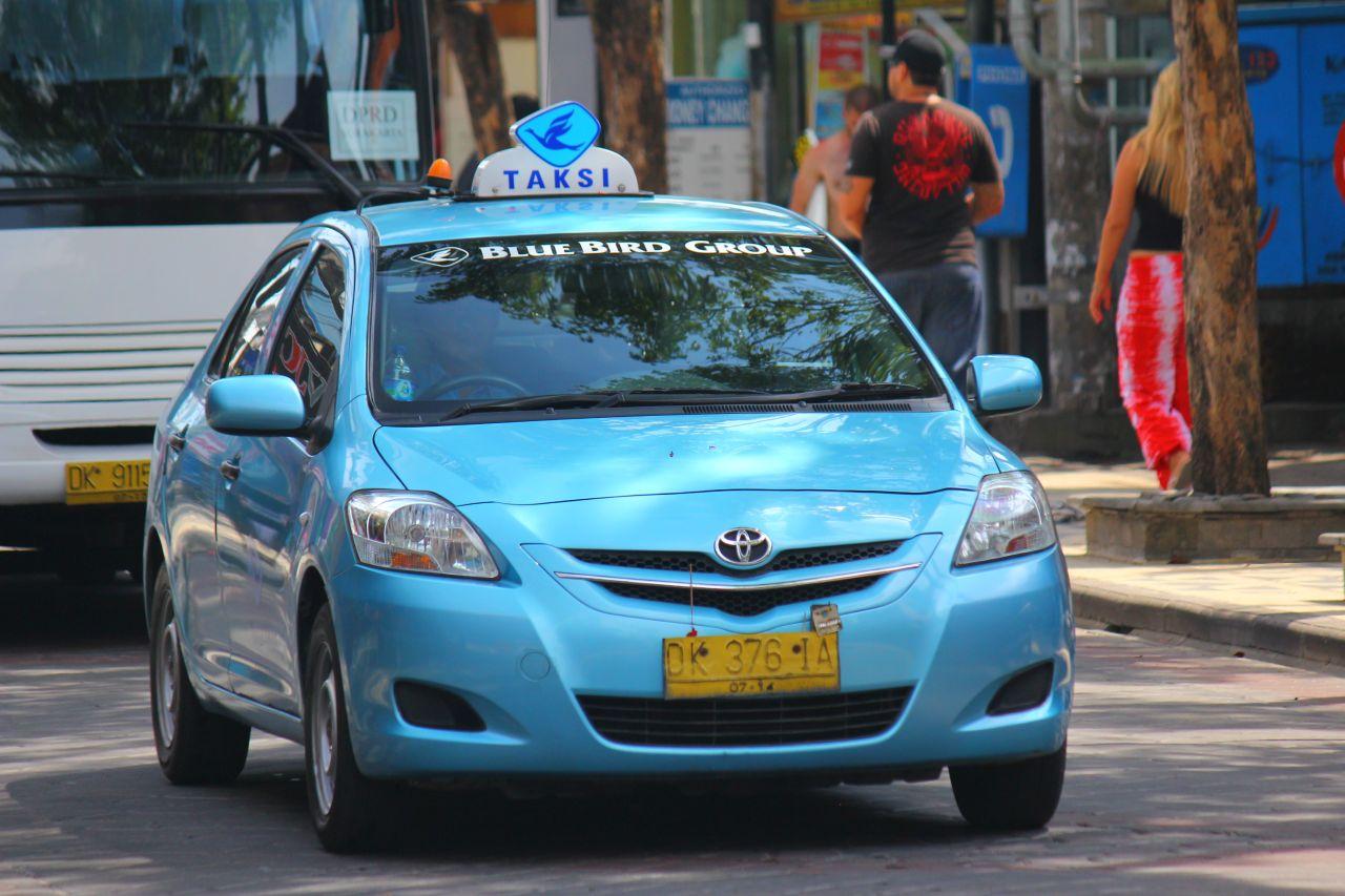 """Oficialus Balio taksi """"Blue Bird"""""""