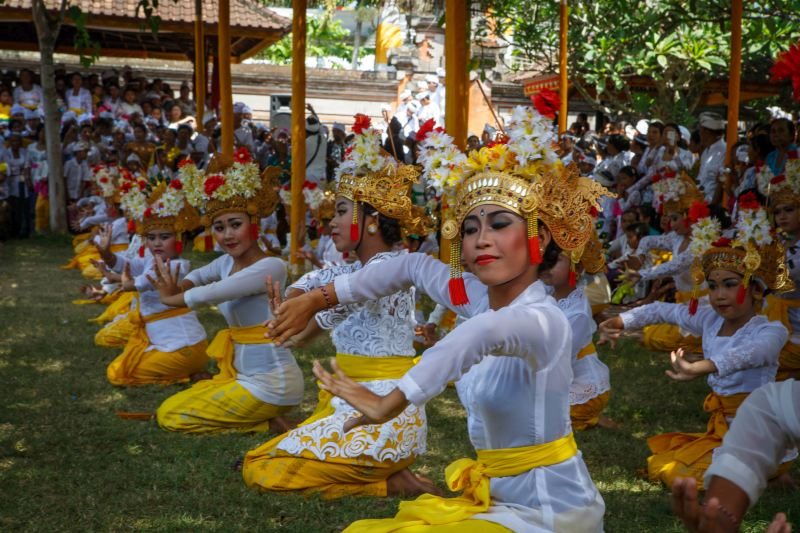 Bali festivals - temple ceremony